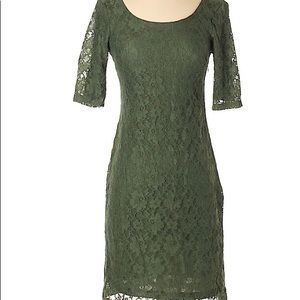 Banana Republic green lace dress